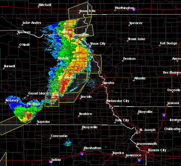 Radar Image for Severe Thunderstorms near Rising City, NE at 6/13/2017 9:13 PM CDT