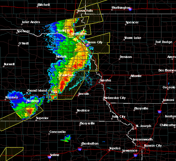 Radar Image for Severe Thunderstorms near Rising City, NE at 6/13/2017 9:22 PM CDT