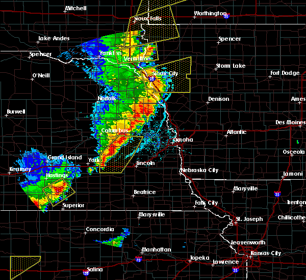 Radar Image for Severe Thunderstorms near Garrison, NE at 6/13/2017 9:32 PM CDT