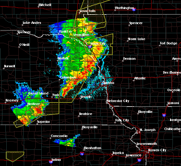 Radar Image for Severe Thunderstorms near Goehner, NE at 6/13/2017 9:42 PM CDT