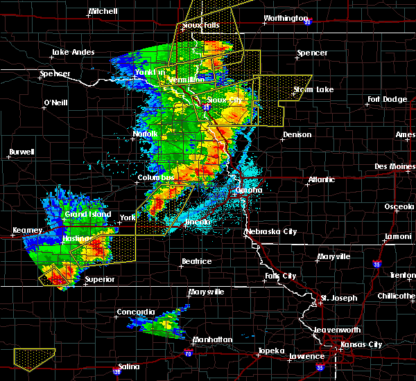 Radar Image for Severe Thunderstorms near Garrison, NE at 6/13/2017 9:58 PM CDT