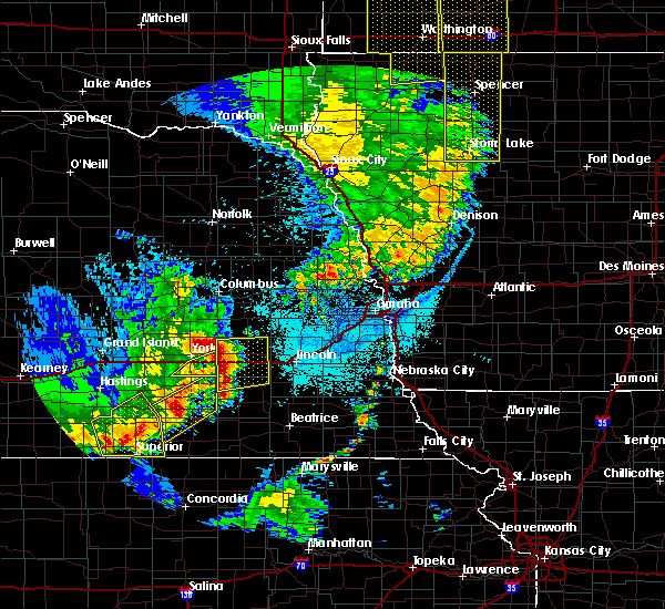 Radar Image for Severe Thunderstorms near Friend, NE at 6/13/2017 10:45 PM CDT
