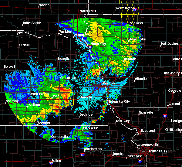 Radar Image for Severe Thunderstorms near Rising City, NE at 6/13/2017 11:01 PM CDT
