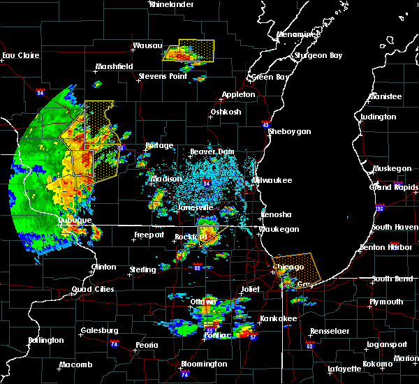 Radar Image for Severe Thunderstorms near Richmond, IL at 6/14/2017 1:27 PM CDT