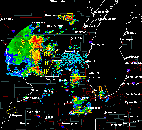 Radar Image for Severe Thunderstorms near DeForest, WI at 6/14/2017 2:04 PM CDT