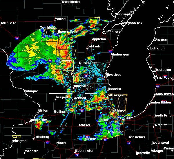 Radar Image for Severe Thunderstorms near Windsor, WI at 6/14/2017 2:40 PM CDT