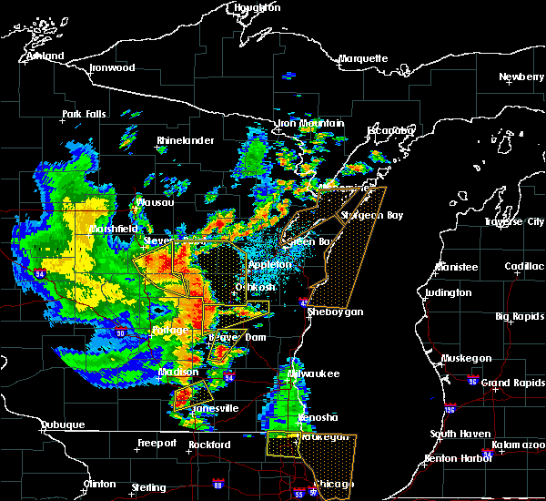 Radar Image for Severe Thunderstorms near King, WI at 6/14/2017 3:12 PM CDT