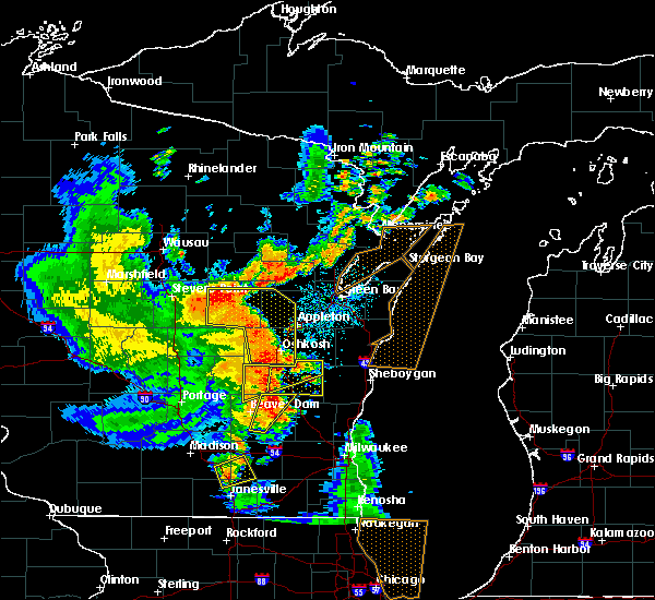 Radar Image for Severe Thunderstorms near Van Dyne, WI at 6/14/2017 3:25 PM CDT