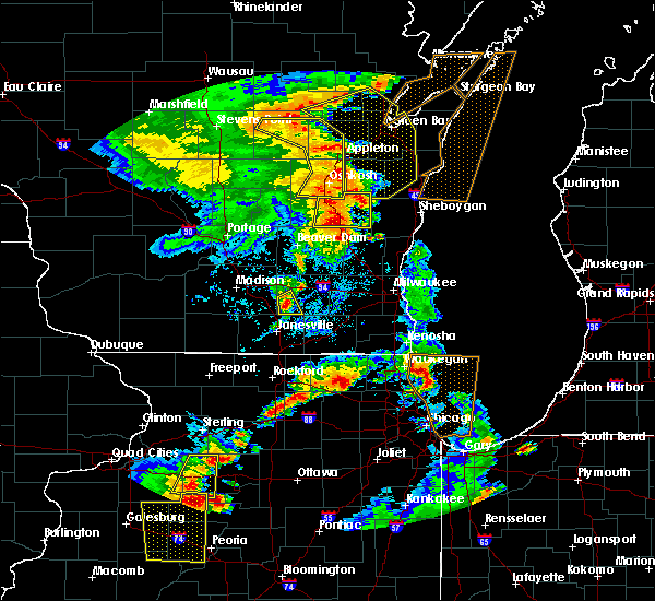 Radar Image for Severe Thunderstorms near Lake Koshkonong, WI at 6/14/2017 3:34 PM CDT