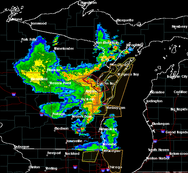 Radar Image for Severe Thunderstorms near Whitelaw, WI at 6/14/2017 4:05 PM CDT