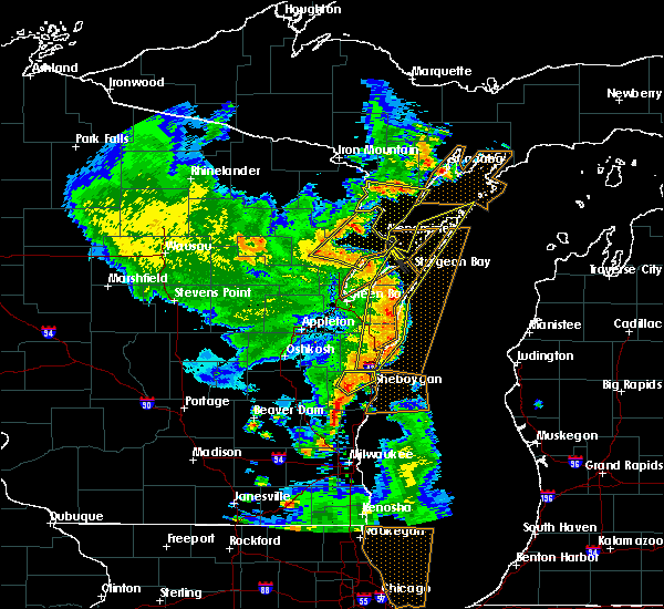 Radar Image for Severe Thunderstorms near Whitelaw, WI at 6/14/2017 4:34 PM CDT