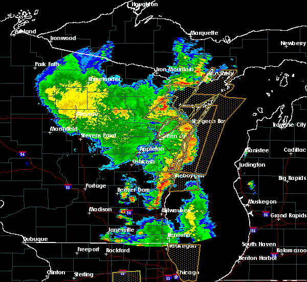 Radar Image for Severe Thunderstorms near Sturgeon Bay, WI at 6/14/2017 4:45 PM CDT