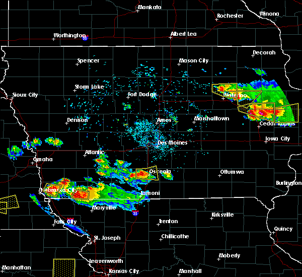 Radar Image for Severe Thunderstorms near Osceola, IA at 6/15/2017 8:26 PM CDT