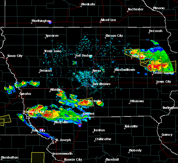 Radar Image for Severe Thunderstorms near Osceola, IA at 6/15/2017 8:29 PM CDT