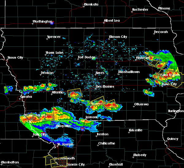 Radar Image for Severe Thunderstorms near Menlo, IA at 6/15/2017 9:05 PM CDT