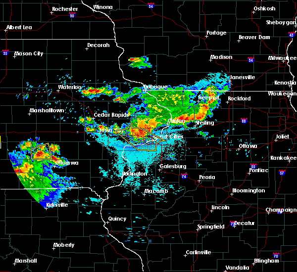 Radar Image for Severe Thunderstorms near Bettendorf, IA at 6/15/2017 10:06 PM CDT