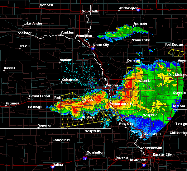 Radar Image for Severe Thunderstorms near Endicott, NE at 6/16/2017 8:54 PM CDT