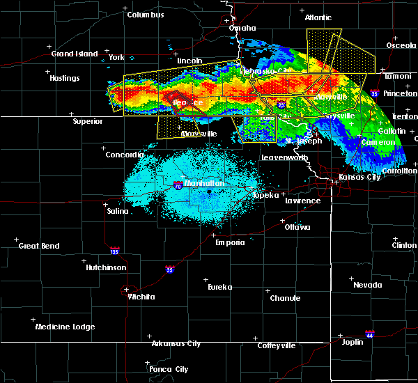 Radar Image for Severe Thunderstorms near Wymore, NE at 6/16/2017 10:00 PM CDT