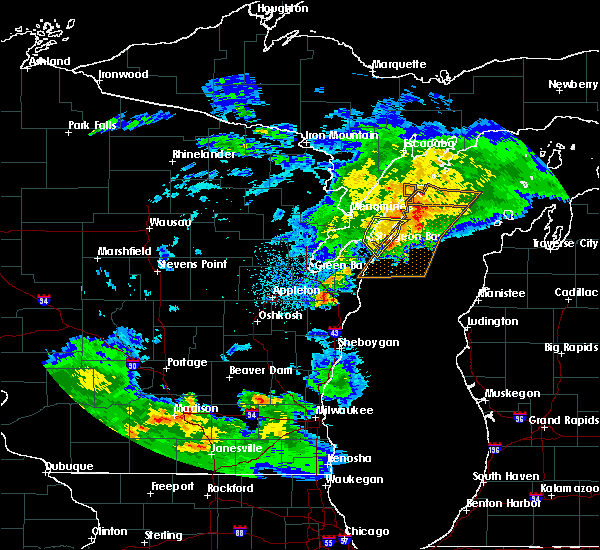 Radar Image for Severe Thunderstorms near Sturgeon Bay, WI at 6/16/2017 11:38 PM CDT
