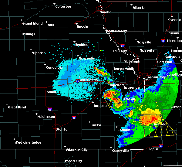 Radar Image for Severe Thunderstorms near Waverly, KS at 6/17/2017 3:33 AM CDT