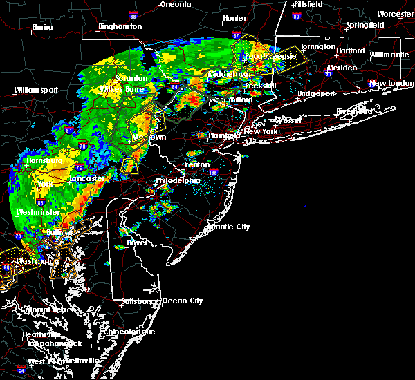 Radar Image for Severe Thunderstorms near Mountain Lake, NJ at 6/19/2017 3:52 PM EDT