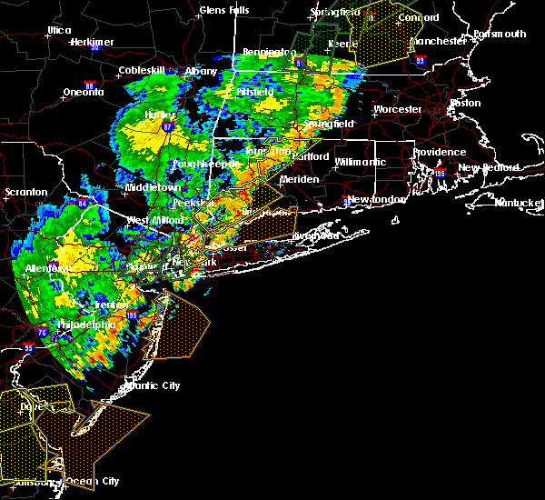 Radar Image for Severe Thunderstorms near Great Neck Estates, NY at 6/19/2017 6:03 PM EDT