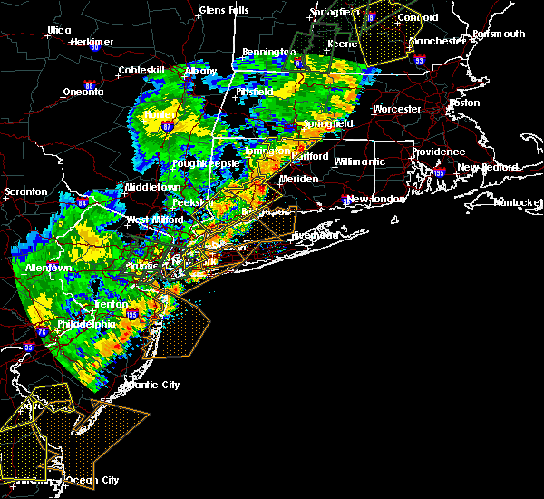 Radar Image for Severe Thunderstorms near Great Neck Estates, NY at 6/19/2017 6:14 PM EDT