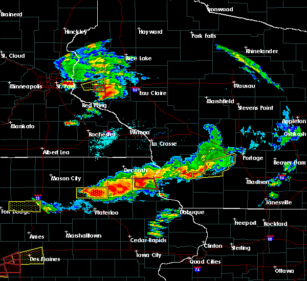 Radar Image for Severe Thunderstorms near Durand, WI at 6/28/2017 5:02 PM CDT