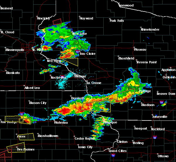 Radar Image for Severe Thunderstorms near Durand, WI at 6/28/2017 5:18 PM CDT