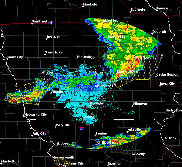 Radar Image for Severe Thunderstorms near Waterloo, IA at 6/29/2017 10:07 PM CDT