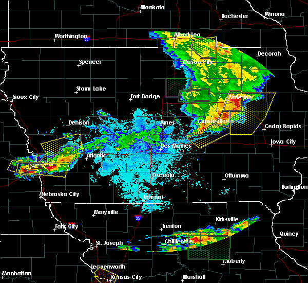 Radar Image for Severe Thunderstorms near Newton, IA at 6/29/2017 10:10 PM CDT