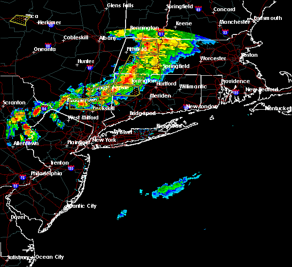 Radar Image for Severe Thunderstorms near Waterbury, CT at 6/30/2017 5:27 PM EDT