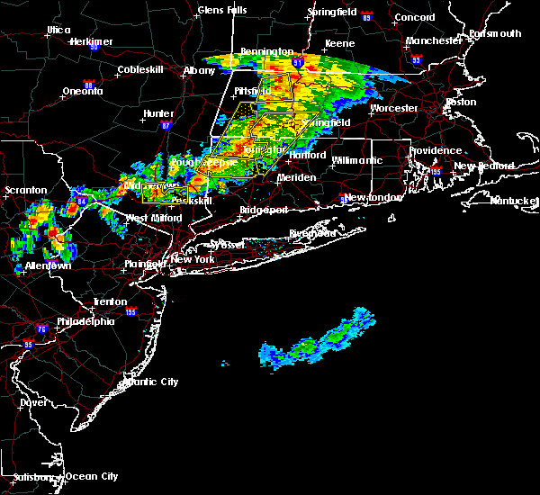 Radar Image for Severe Thunderstorms near Agawam Town, MA at 6/30/2017 5:34 PM EDT