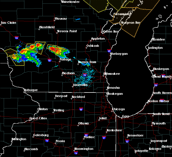 Radar Image for Severe Thunderstorms near Oxford, WI at 7/6/2017 9:05 PM CDT