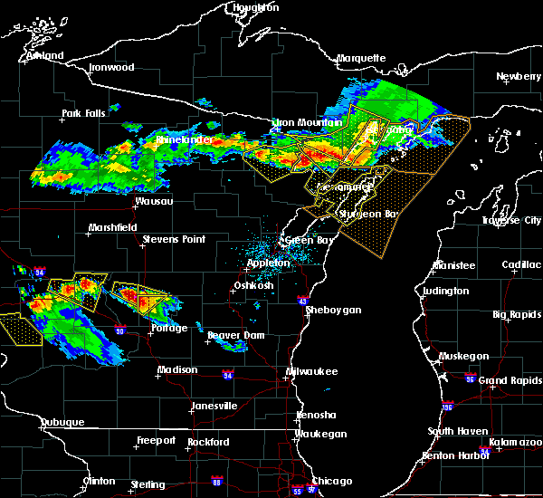 Radar Image for Severe Thunderstorms near Sturgeon Bay, WI at 7/6/2017 9:05 PM CDT