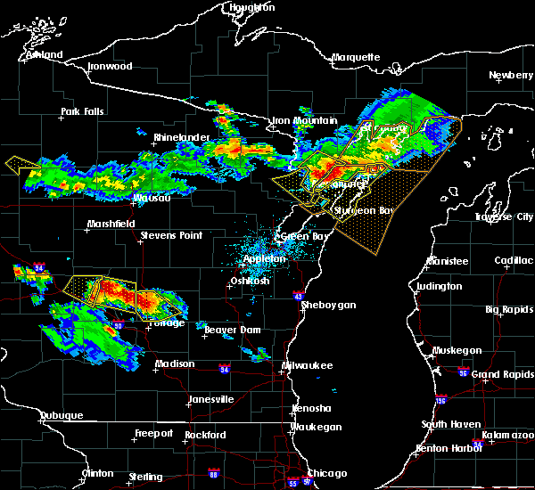 Radar Image for Severe Thunderstorms near Sturgeon Bay, WI at 7/6/2017 9:26 PM CDT