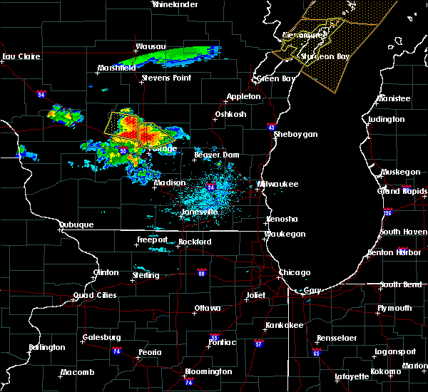 Radar Image for Severe Thunderstorms near Oxford, WI at 7/6/2017 9:47 PM CDT