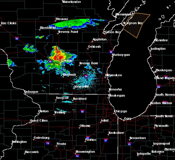 Radar Image for Severe Thunderstorms near Oxford, WI at 7/6/2017 10:03 PM CDT