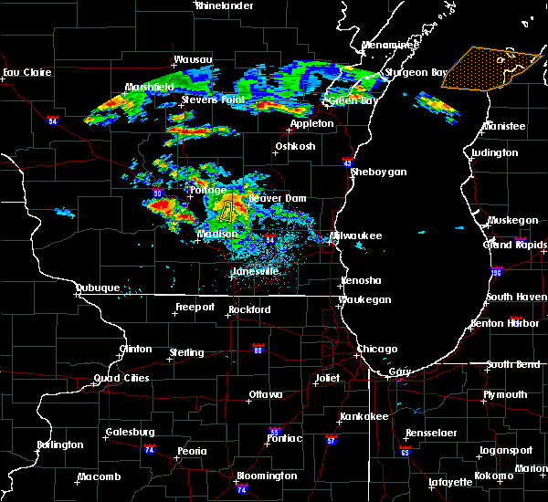 Radar Image for Severe Thunderstorms near Fall River, WI at 7/6/2017 10:54 PM CDT