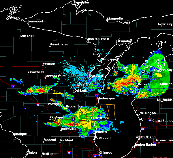 Radar Image for Severe Thunderstorms near Hancock, WI at 7/7/2017 12:03 AM CDT