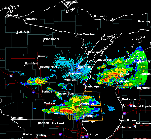 Radar Image for Severe Thunderstorms near Hancock, WI at 7/7/2017 12:18 AM CDT