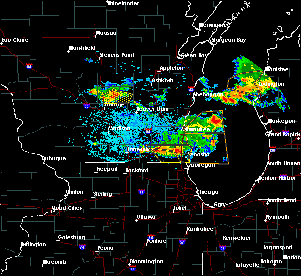Radar Image for Severe Thunderstorms near Endeavor, WI at 7/7/2017 12:43 AM CDT