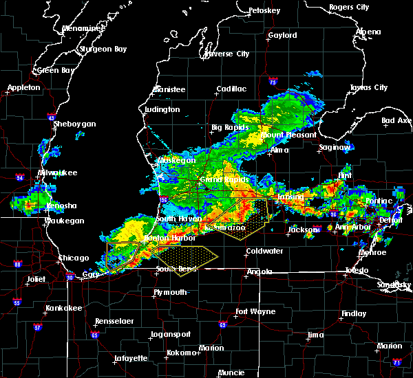Radar Image for Severe Thunderstorms near Dowling, MI at 7/7/2017 4:05 AM EDT