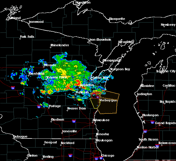 Radar Image for Severe Thunderstorms near Cleveland, WI at 7/7/2017 5:32 PM CDT