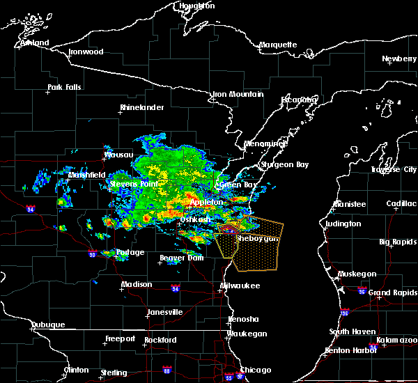 Radar Image for Severe Thunderstorms near Cleveland, WI at 7/7/2017 5:48 PM CDT