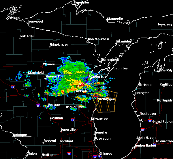 Radar Image for Severe Thunderstorms near Cleveland, WI at 7/7/2017 5:52 PM CDT