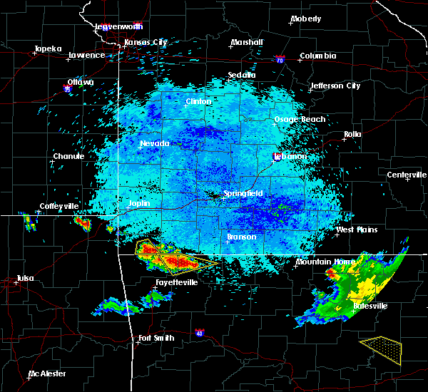 Radar Image for Severe Thunderstorms near Pineville, MO at 7/8/2017 12:26 AM CDT