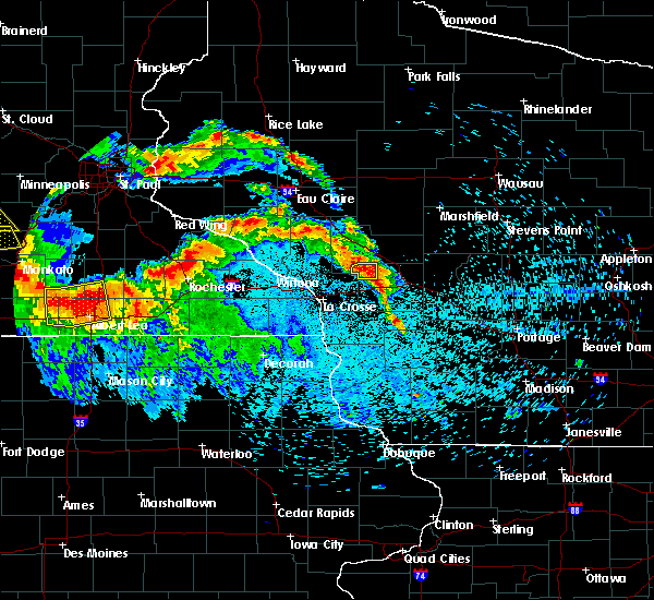 Radar Image for Severe Thunderstorms near Cataract, WI at 7/9/2017 11:04 PM CDT