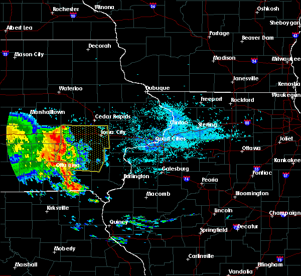 Radar Image for Severe Thunderstorms near Iowa City, IA at 7/11/2017 5:43 AM CDT