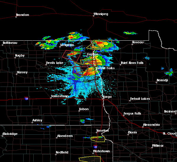 Radar Image for Severe Thunderstorms near Grand Forks, ND at 7/11/2017 6:47 PM CDT